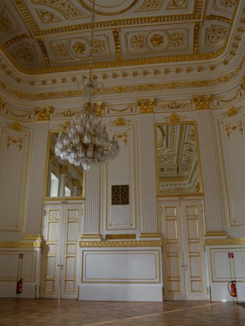 Vergoldungsarbeiten in der Hofburg Vienna